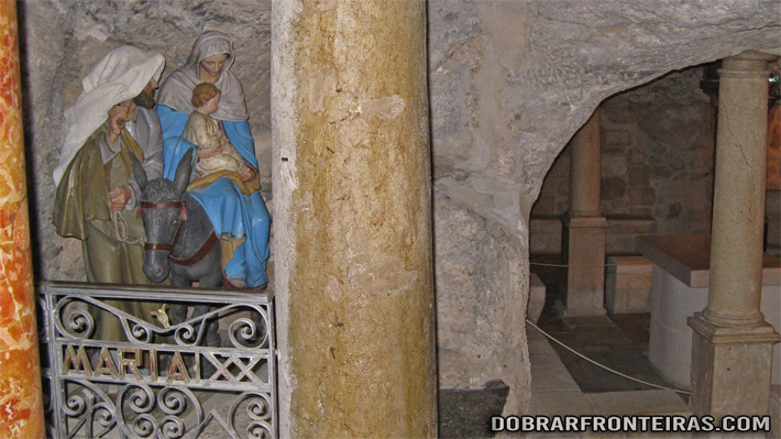 Interior da Gruta do Leite em Belém