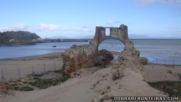 Ruínas do castelo de Alcácer Ceguer no norte de Marrocos