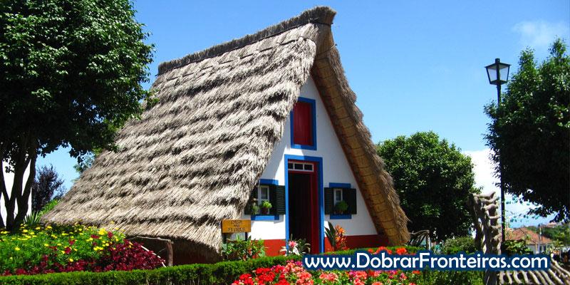 Lindíssima casa típica da ilha da Madeira em Santana