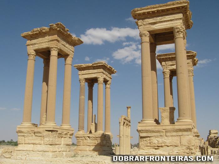 Tetrapilon das ruínas de Palmira, Síria
