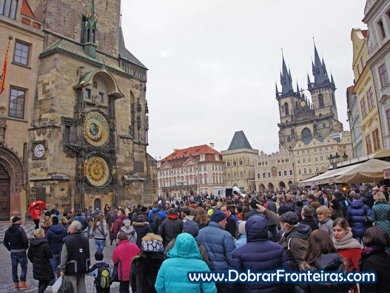 Orloj e a Praça da cidade velha