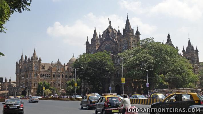 Antiga estação de comboio Victoria em Bombaim