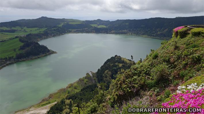 Lagoa das Furnas vista do miradouro do Pico do Ferro
