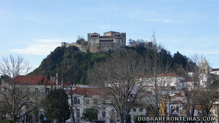 Castelo de Leiria visto da cidade