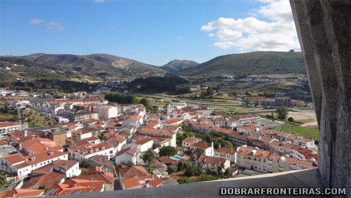 Vila de Porto de Mós vista a partir do castelo