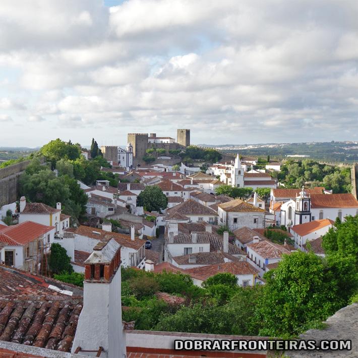 Vila de Óbidos vista do topo Sul das muralhas
