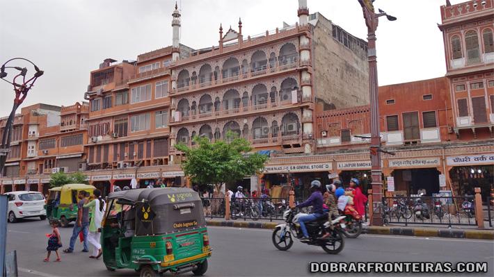 Rua da cidade rosa de Jaipur, Índia