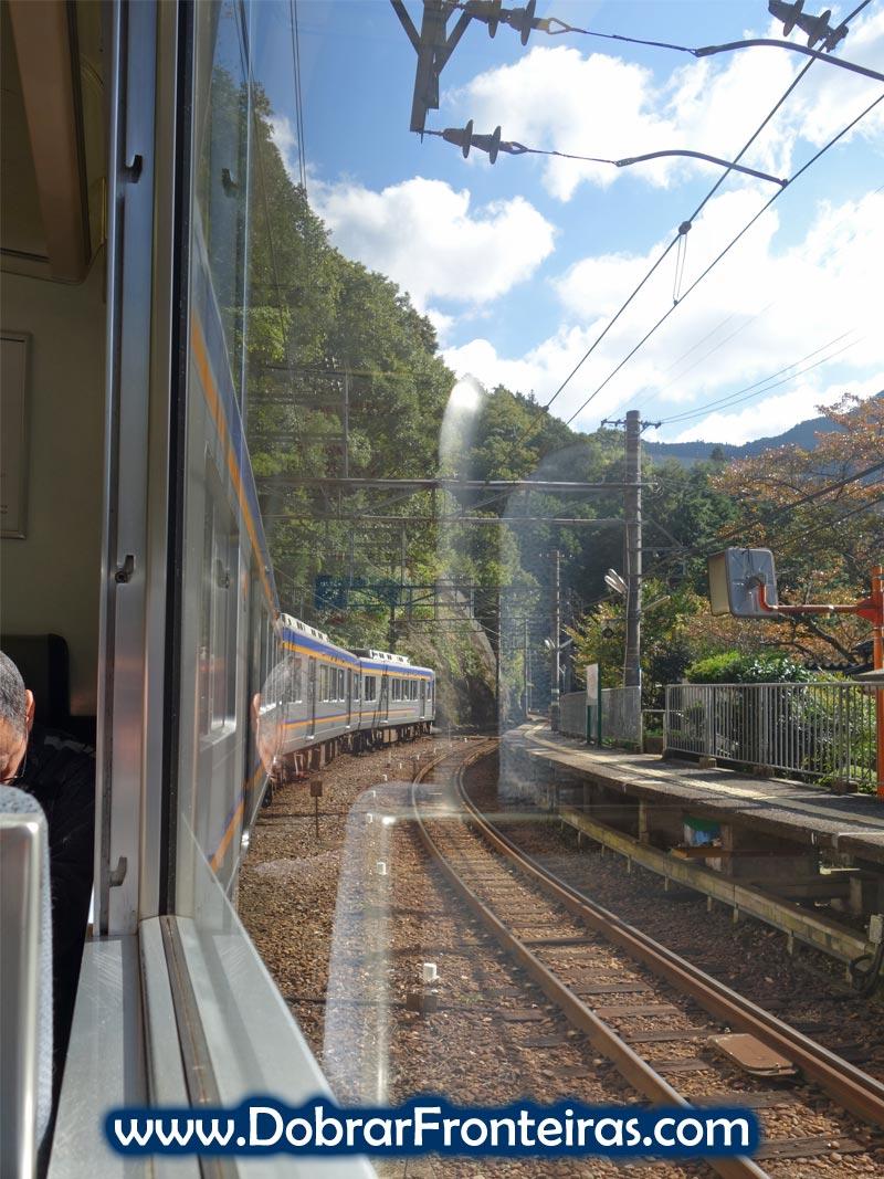 Comboio de Osaka para o Monte Koya